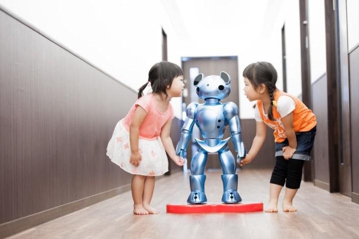 保育ロボットVEVO